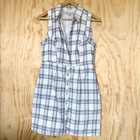 Dresses & Skirts - White and Black Grid Dress